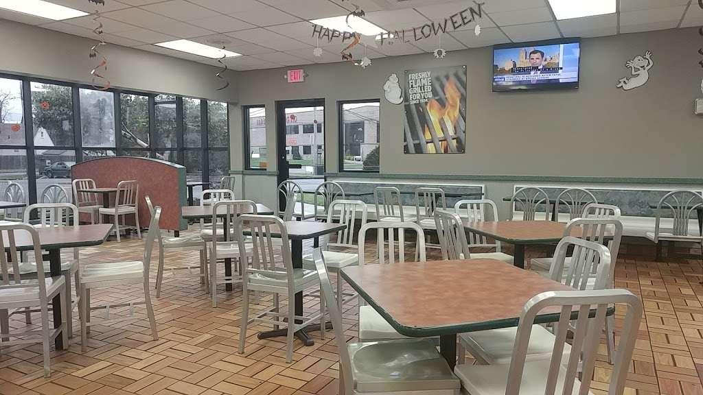 Burger King - restaurant  | Photo 2 of 10 | Address: 195 Moonachie Rd, Moonachie, NJ 07074, USA | Phone: (201) 440-9700