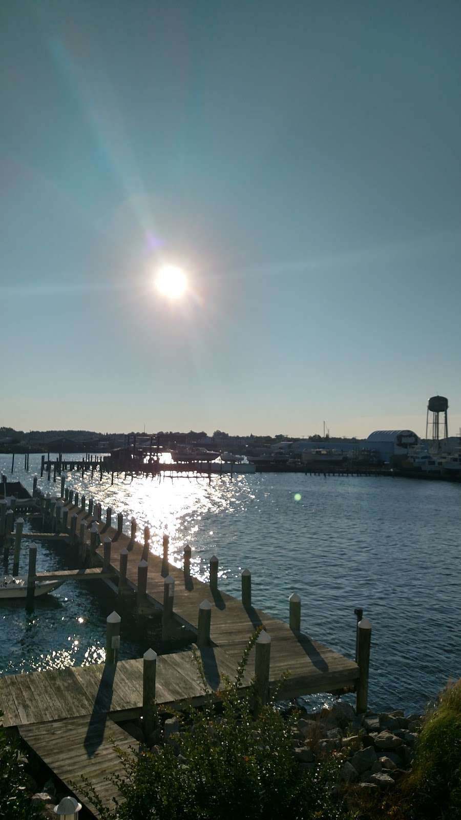 Harbour Light Condo 4 Sale - Rent - real estate agency  | Photo 9 of 10 | Address: 102 Williams St #511, Crisfield, MD 21817, USA