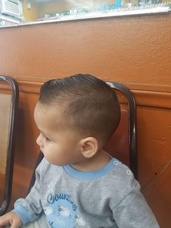 Julio Barber Shop El Senor - hair care    Photo 1 of 4   Address: 4402 S Main St, Los Angeles, CA 90037, USA   Phone: (323) 235-0264