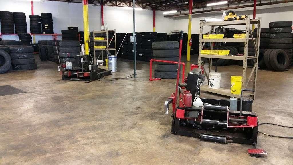Rosen Tire Service - car repair  | Photo 3 of 10 | Address: 6801 Melton Rd, Gary, IN 46403, USA | Phone: (630) 779-7878