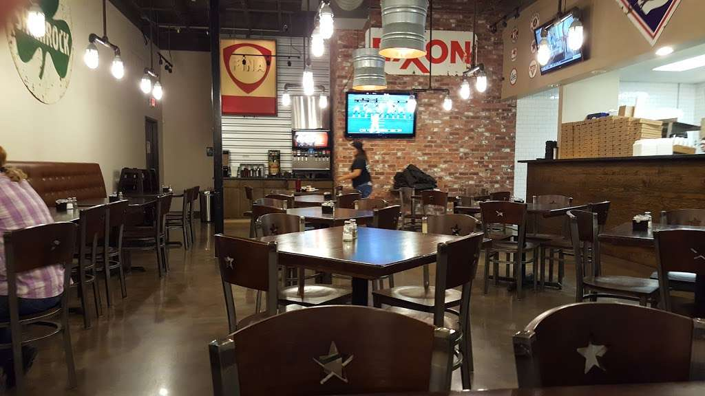 The Pipeline Pizza - restaurant  | Photo 1 of 10 | Address: 3931 Spencer Hwy, Pasadena, TX 77504, USA | Phone: (832) 386-0000