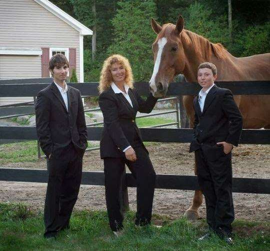 Huntersbrook Stable - travel agency    Photo 3 of 3   Address: 396 Circuit St, Norwell, MA 02061, USA   Phone: (781) 659-5878