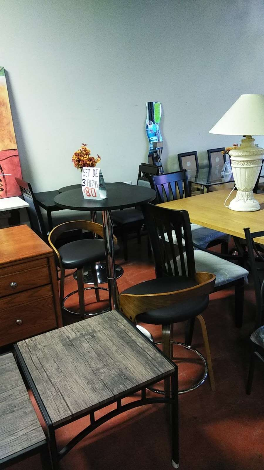 Rositas furniture - furniture store  | Photo 10 of 10 | Address: 5046 W Fullerton Ave, Chicago, IL 60639, USA | Phone: (773) 276-9250