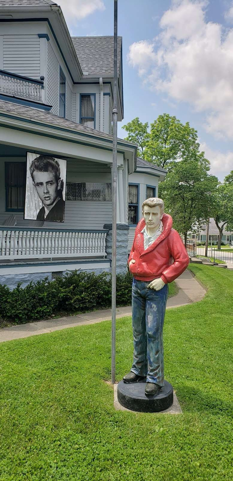James Dean Gallery - museum  | Photo 4 of 9 | Address: 425 N Main St, Fairmount, IN 46928, USA | Phone: (765) 948-3326