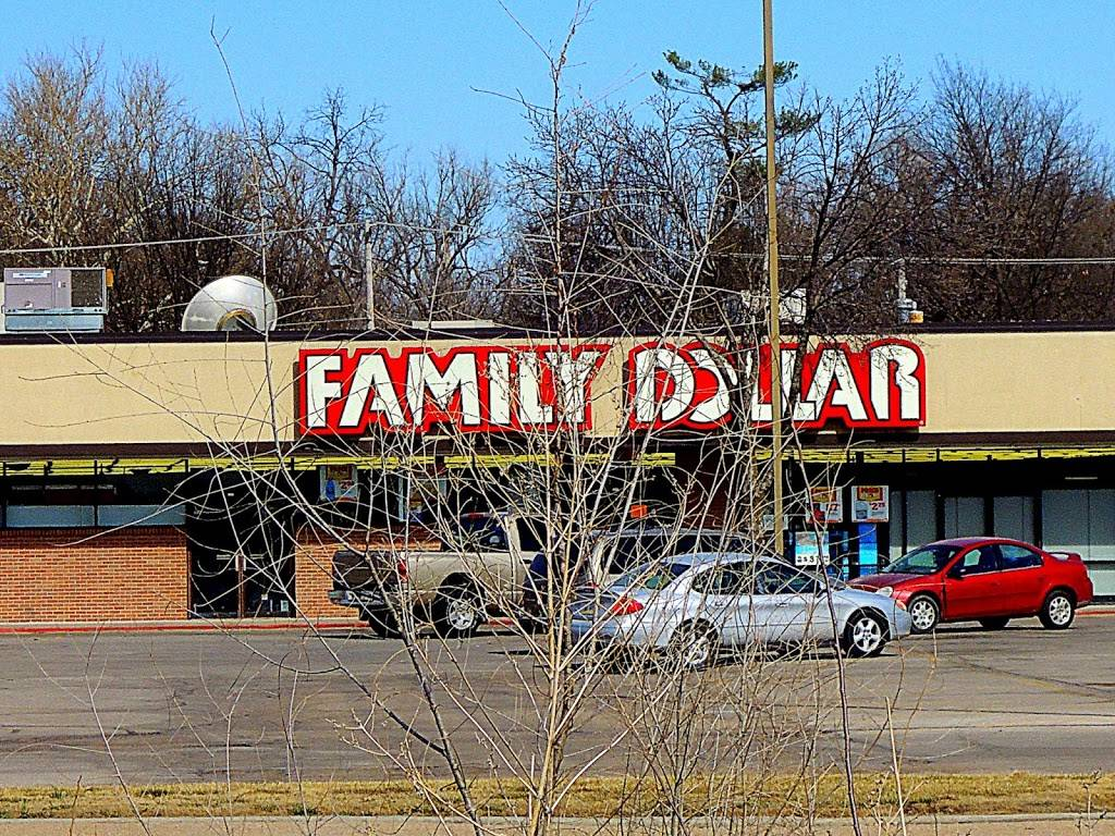 Family Dollar - supermarket  | Photo 1 of 2 | Address: 4684 Leighton Ave, Lincoln, NE 68504, USA | Phone: (402) 464-4241