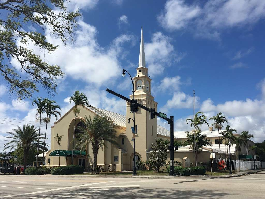 Hollywood Spanish Seventh-day Adventist Church - church    Photo 2 of 10   Address: 1808 Van Buren St, Hollywood, FL 33020, USA