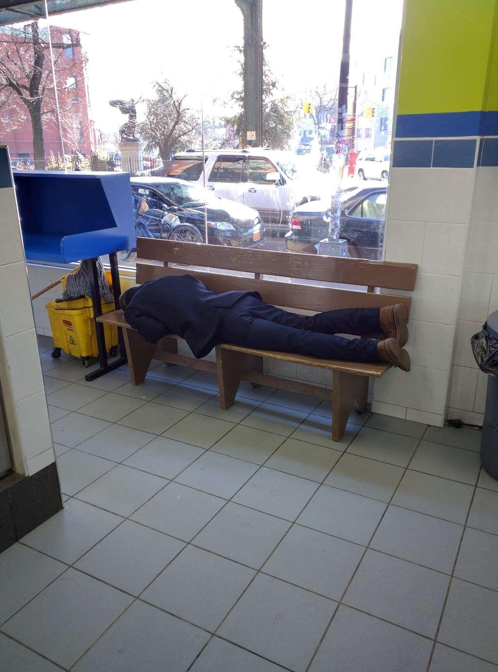 Clean City Laundry - laundry  | Photo 2 of 7 | Address: 673 Bushwick Ave, Brooklyn, NY 11221, USA | Phone: (718) 443-8888