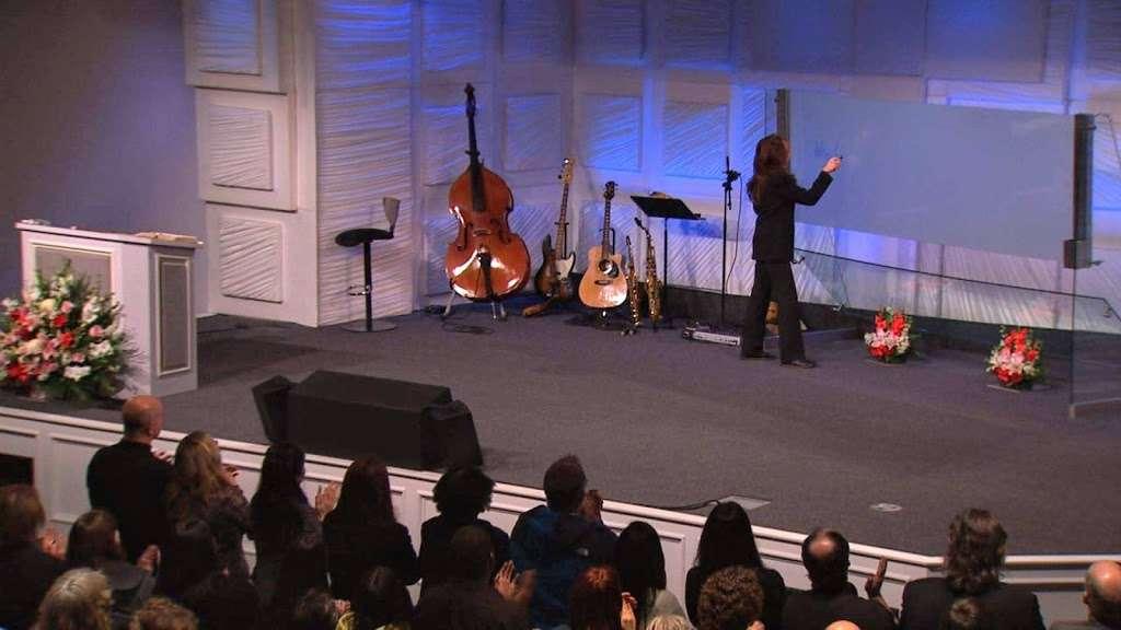 Faith Center Church - church    Photo 3 of 10   Address: 1615 S Glendale Ave, Glendale, CA 91205, USA   Phone: (800) 338-3030