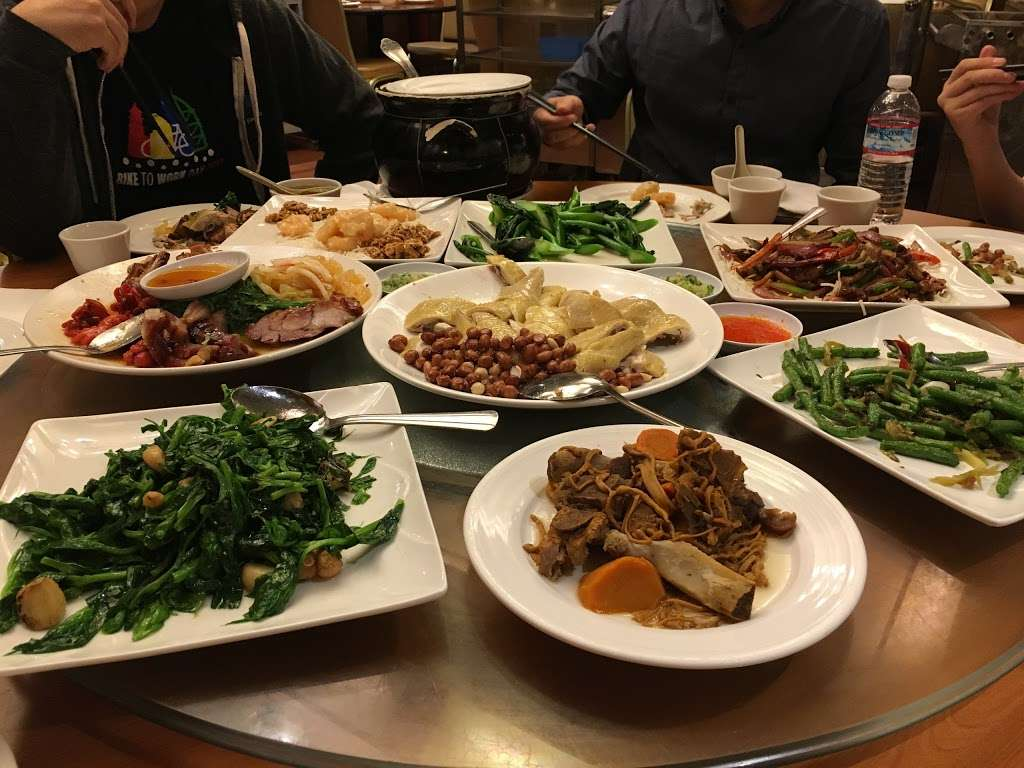 Saigon Seafood Harbor - restaurant  | Photo 4 of 10 | Address: 1135 N Lawrence Expy, Sunnyvale, CA 94089, USA | Phone: (408) 734-2828