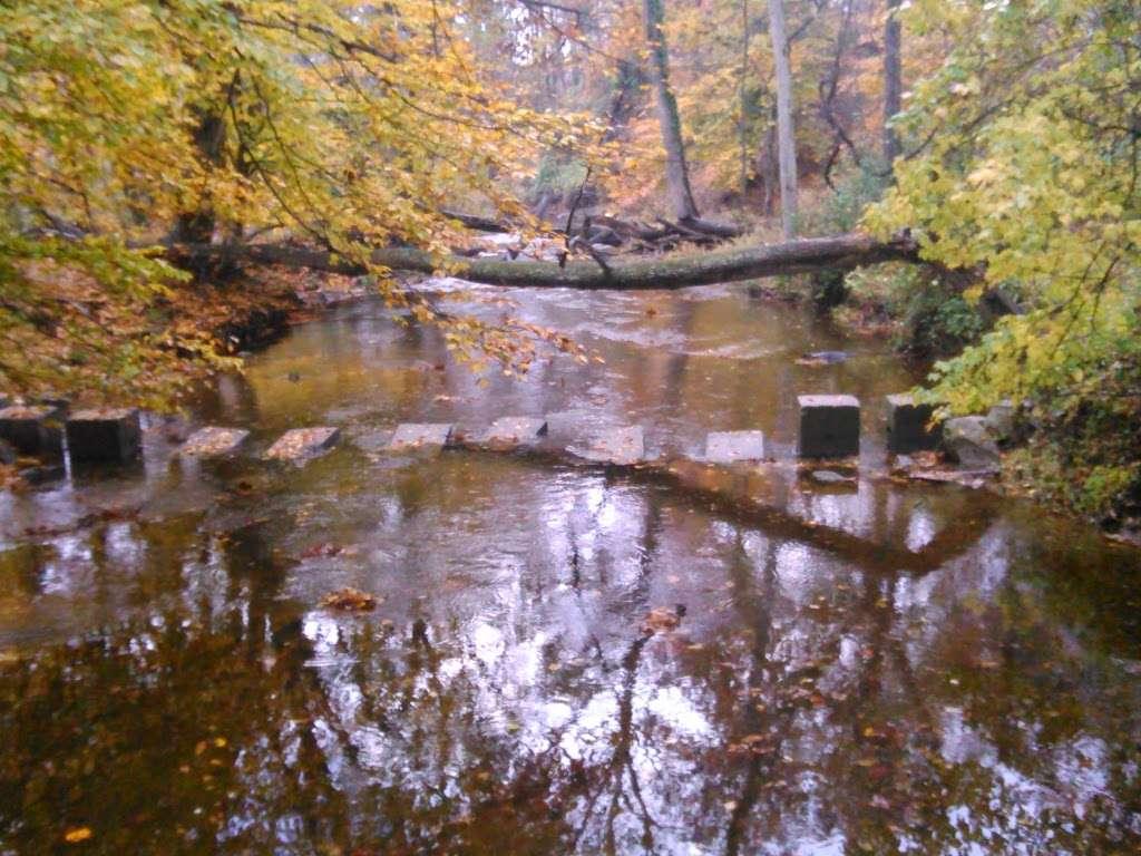 Ellanor C. Lawrence Park - park    Photo 7 of 10   Address: 5040 Walney Rd, Chantilly, VA 20151, USA   Phone: (703) 631-0013