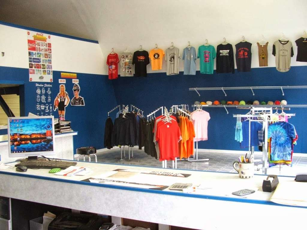 R & S Screen Printing - clothing store  | Photo 7 of 10 | Address: 739 McHenry Ave, Woodstock, IL 60098, USA | Phone: (815) 337-3935