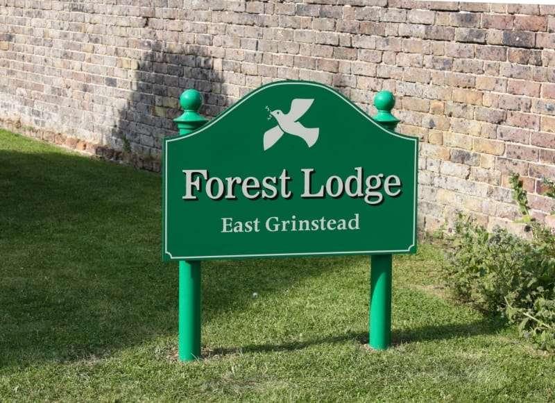 Aristo Signs - home goods store  | Photo 8 of 10 | Address: Unit 1 Foxhole Farm, Brickhouse Ln, Lingfield RH7 6HY, UK | Phone: 01342 832992