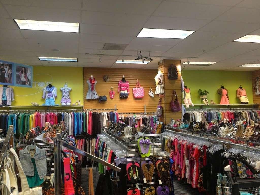 Plato S Closet Clothing Store 9688 Liberia Ave Manassas
