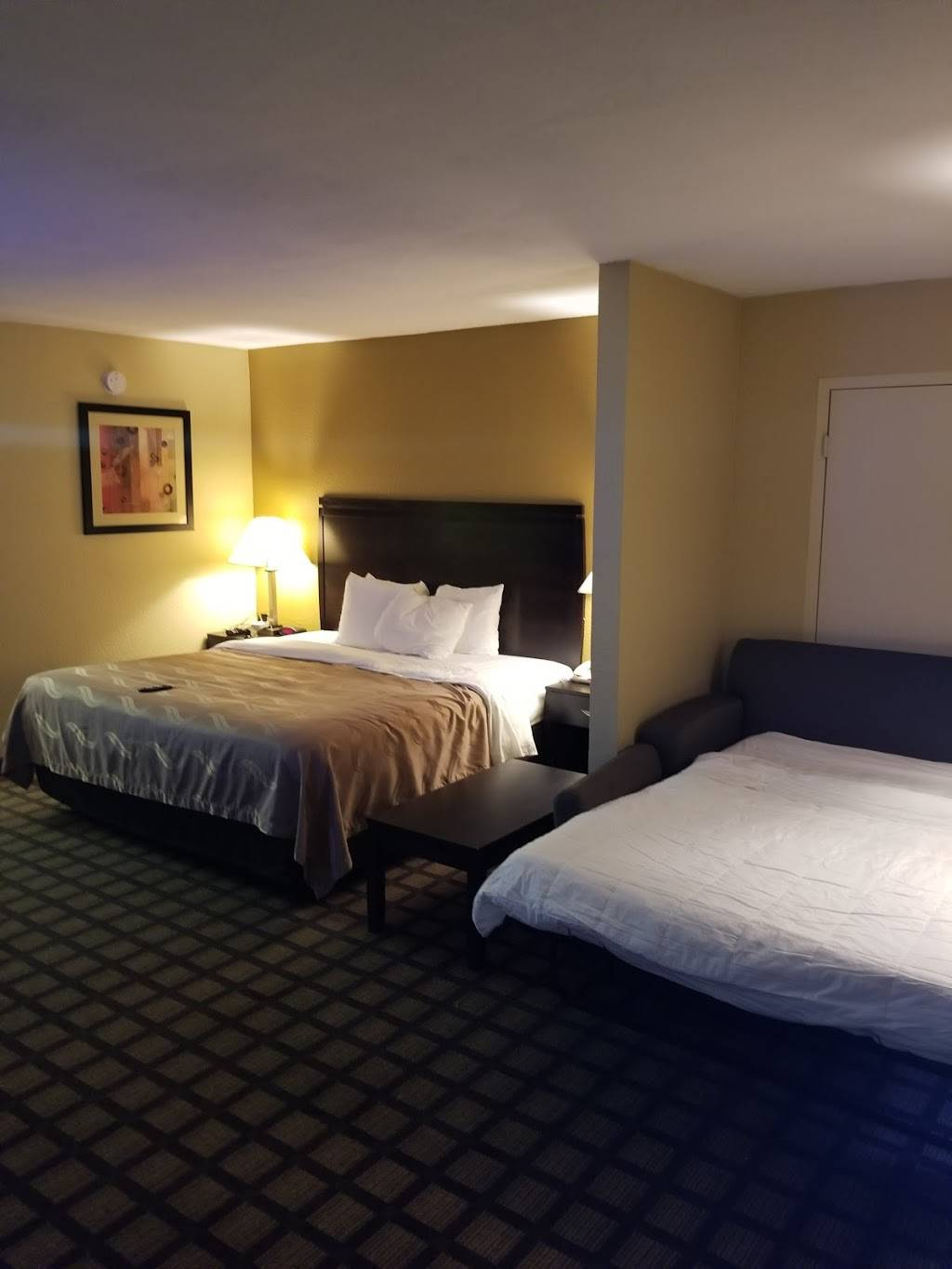 Quality Inn & Suites Baton Rouge West - Port Allen - lodging  | Photo 2 of 9 | Address: 131 N Lobdell Hwy, Port Allen, LA 70767, USA | Phone: (225) 343-4821