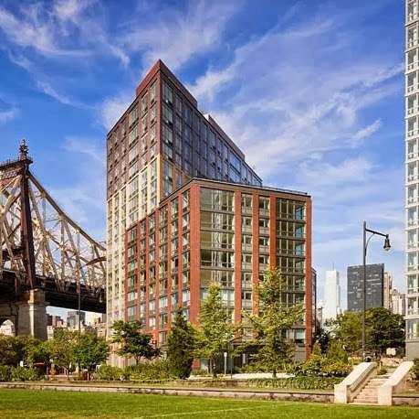 Riverwalk Crossing Luxury Apartments - real estate agency  | Photo 4 of 10 | Address: 405 Main St, New York, NY 10044, USA | Phone: (646) 992-4143