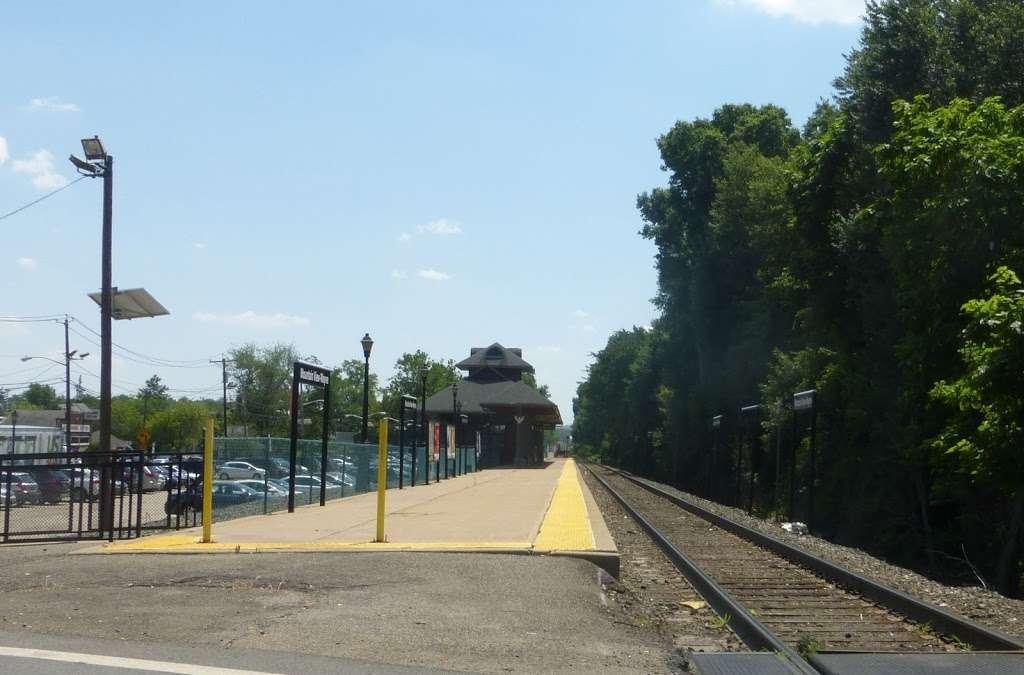 Mountain View-Wayne Station - train station    Photo 10 of 10   Address: 11 Erie Ave, Wayne, NJ 07470, USA