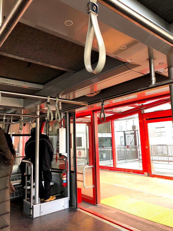 Roosevelt Island Tram Station - transit station  | Photo 6 of 10 | Address: Main St, Roosevelt Island, NY 10044, USA