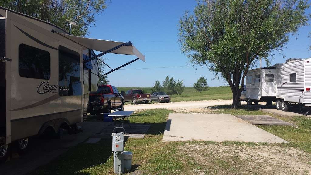 Cottonwood Camping - campground  | Photo 1 of 10 | Address: 115 S 130th St, Bonner Springs, KS 66012, USA | Phone: (913) 422-8038