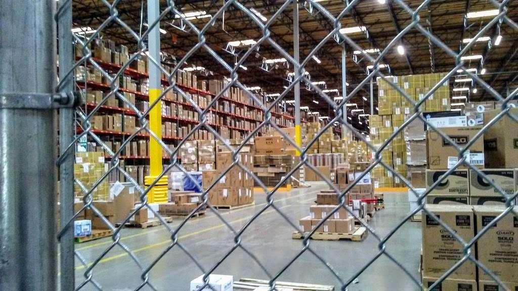 Essendant - Perris Distribution Center - storage    Photo 4 of 9   Address: 4555 Redlands Ave, Perris, CA 92571, USA   Phone: (951) 436-3999