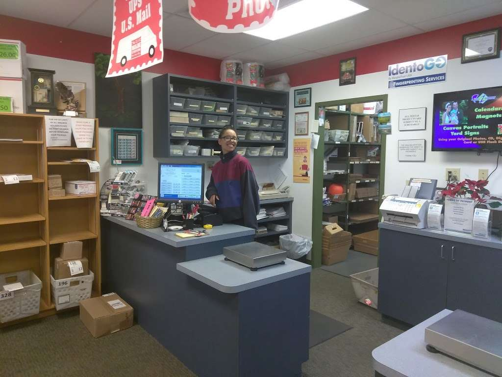 Mailing Station - store  | Photo 8 of 10 | Address: 5868 East 71st Street, #E, Indianapolis, IN 46220, USA | Phone: (317) 841-7506