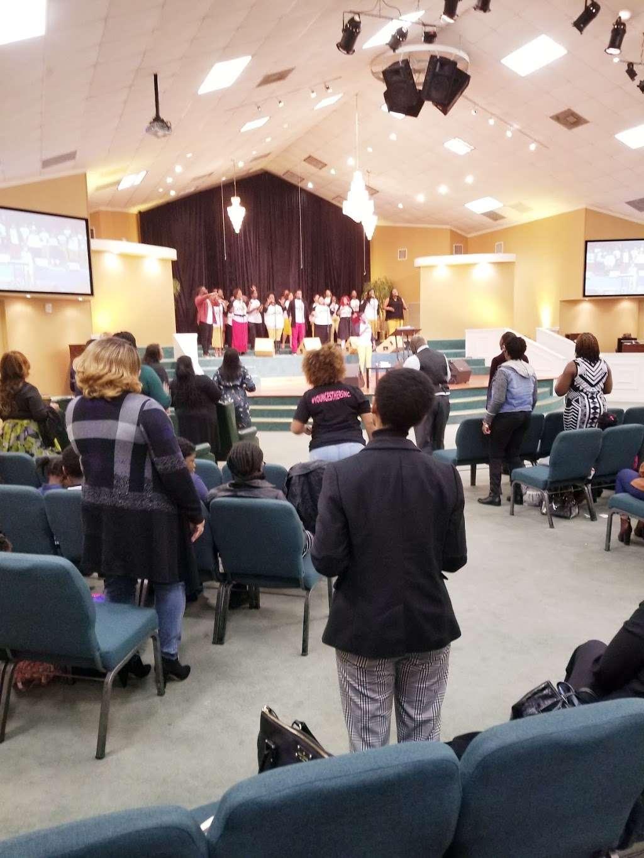 The Crossing Community Church - church  | Photo 3 of 10 | Address: 3225 W Orem Dr, Houston, TX 77045, USA | Phone: (713) 433-2862
