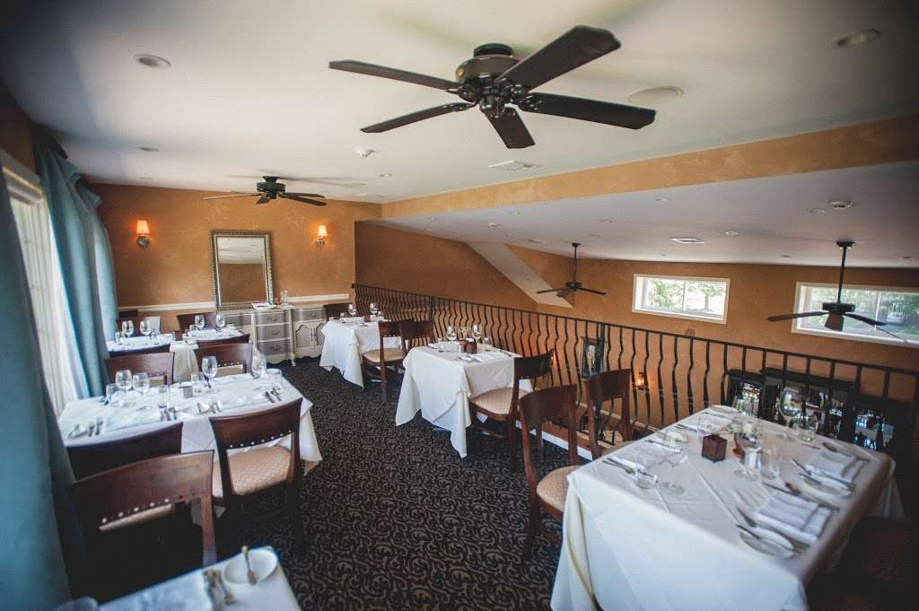 Andres Lakeside Dining - restaurant  | Photo 1 of 10 | Address: 112 Tomahawk Trail, Sparta Township, NJ 07871, USA | Phone: (973) 726-6000
