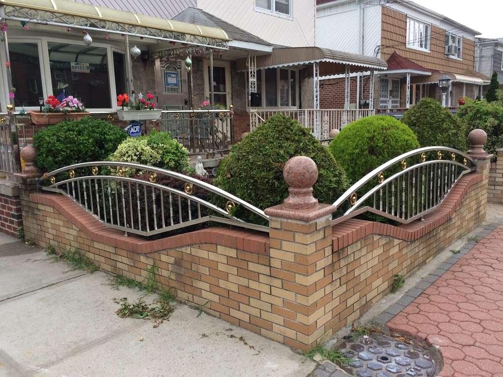 Mikes Powerwashing LLC - parking  | Photo 7 of 10 | Address: 9812 161st Ave, Howard Beach, NY 11414, USA | Phone: (646) 372-6078
