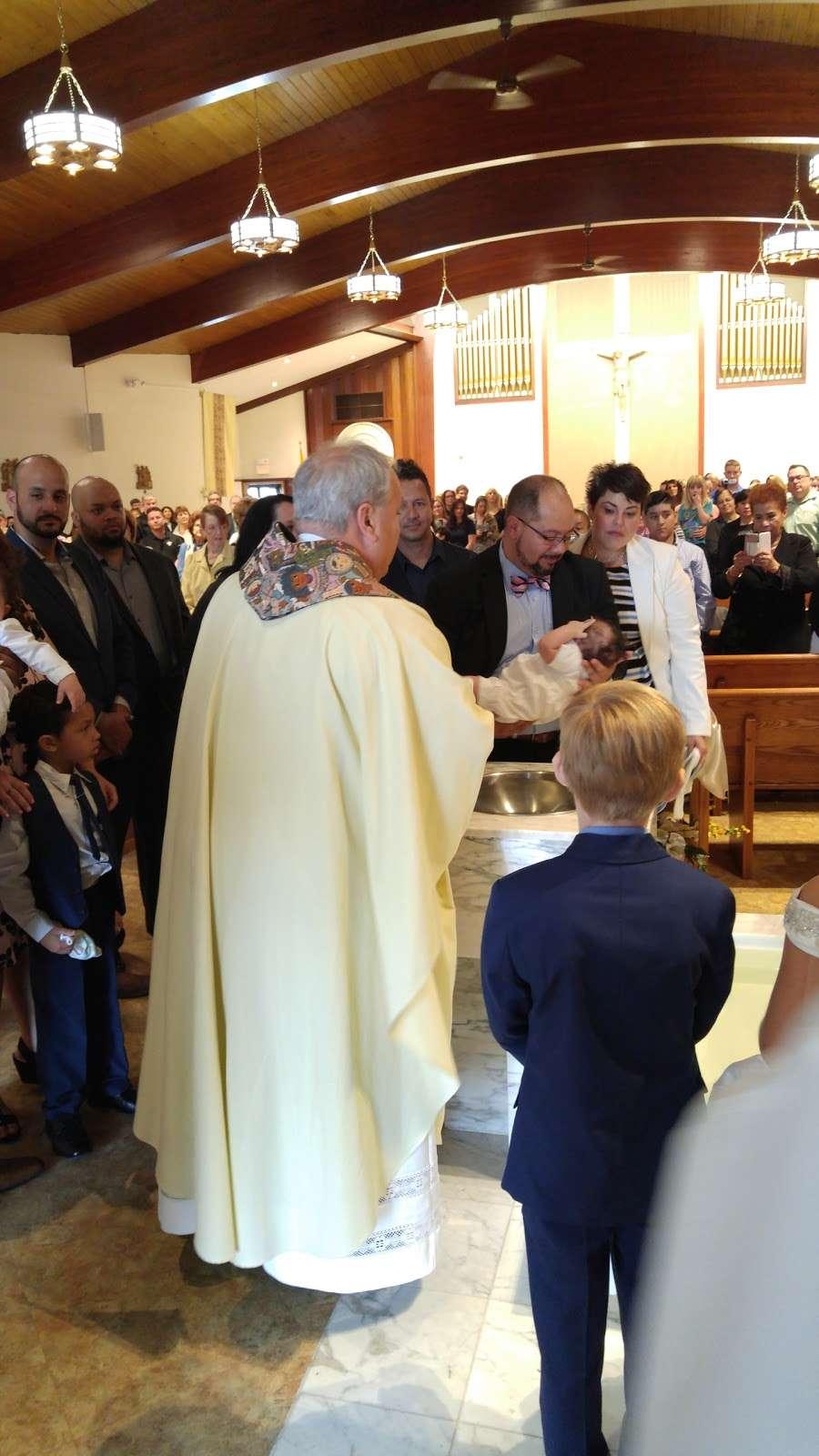 St. Margarets of Cortona Church - church  | Photo 8 of 10 | Address: 31 Chamberlain Ave, Little Ferry, NJ 07643, USA | Phone: (201) 641-2988