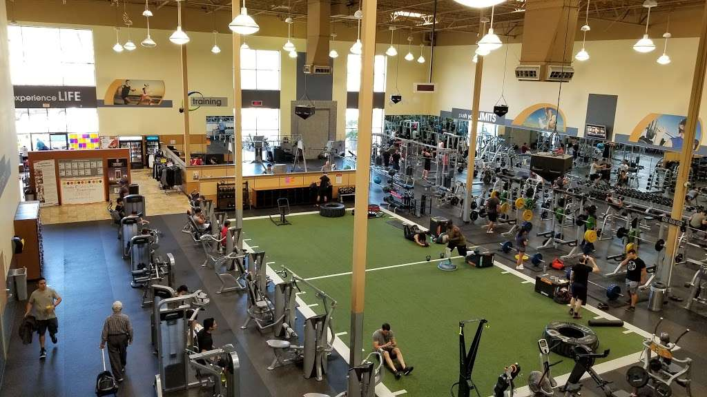 24 Hour Fitness Sport - gym  | Photo 10 of 10 | Address: 21560 Valley Blvd, City of Industry, CA 91789, USA | Phone: (909) 978-6046