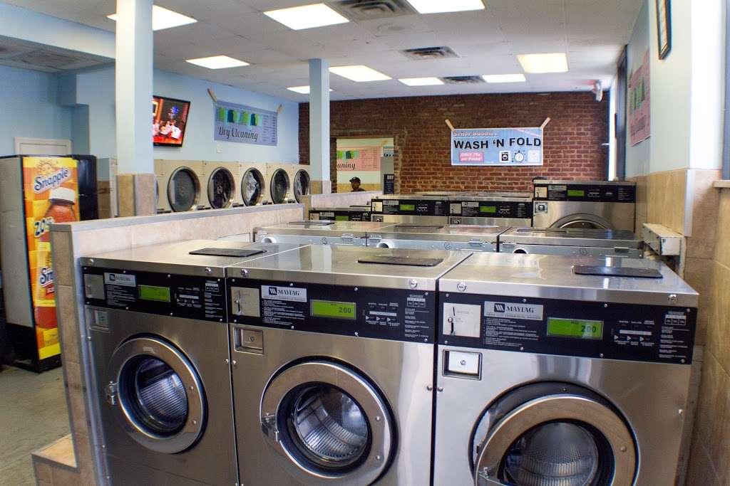 Senor Bubbles Laundromat & Dry Cleaner - laundry  | Photo 2 of 10 | Address: 456 Baldwin Ave, Jersey City, NJ 07306, USA | Phone: (201) 656-3471