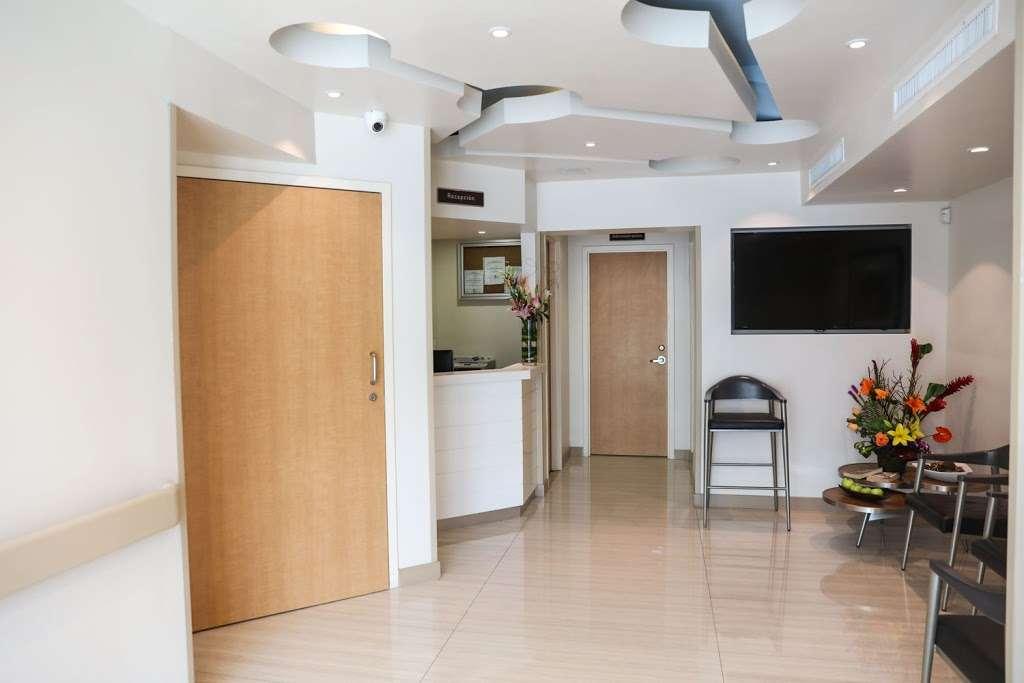 My Spine Treatment Center - health  | Photo 4 of 5 | Address: Av. Juan Sarabia 8453, Zona Centro, 22000 Tijuana, B.C., Mexico | Phone: (619) 512-0100