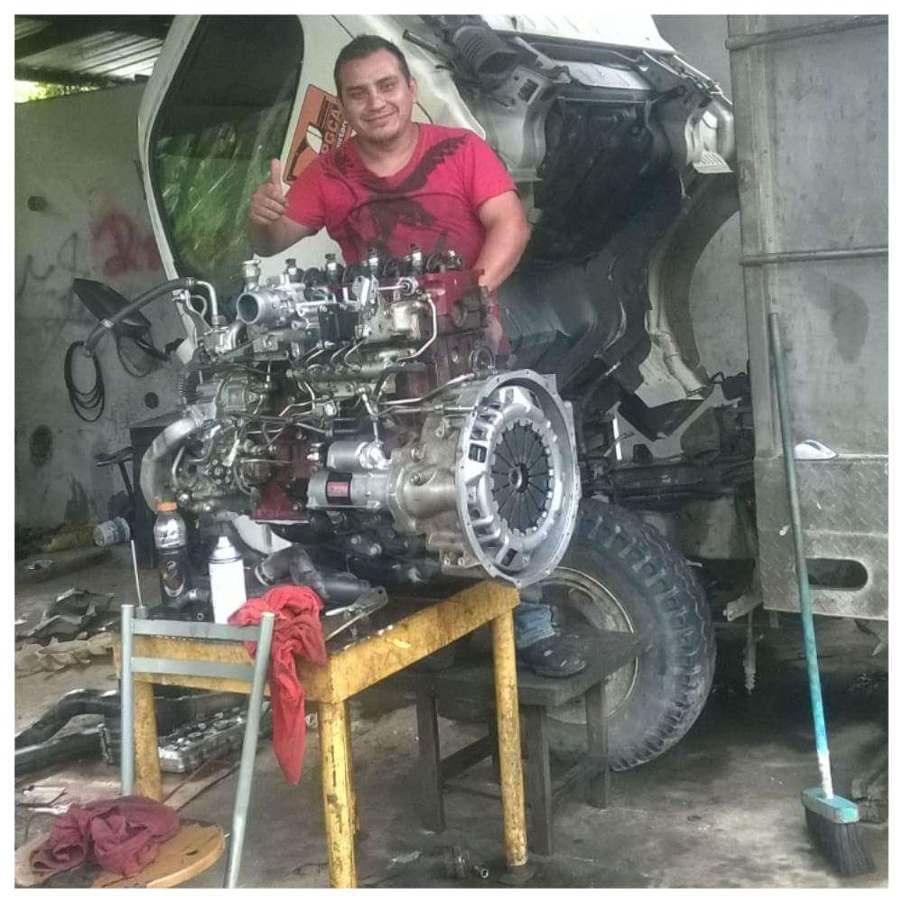 Mecanico a domicilio West Palm Beach - car repair  | Photo 3 of 9 | Address: 4589 Barclay Crescent, Lake Worth, FL 33463, USA | Phone: (561) 201-1792