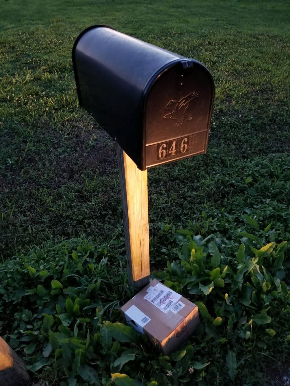 FedEx Ground - moving company  | Photo 3 of 3 | Address: 10999 Air Park Rd, Ashland, VA 23005, USA | Phone: (800) 463-3339