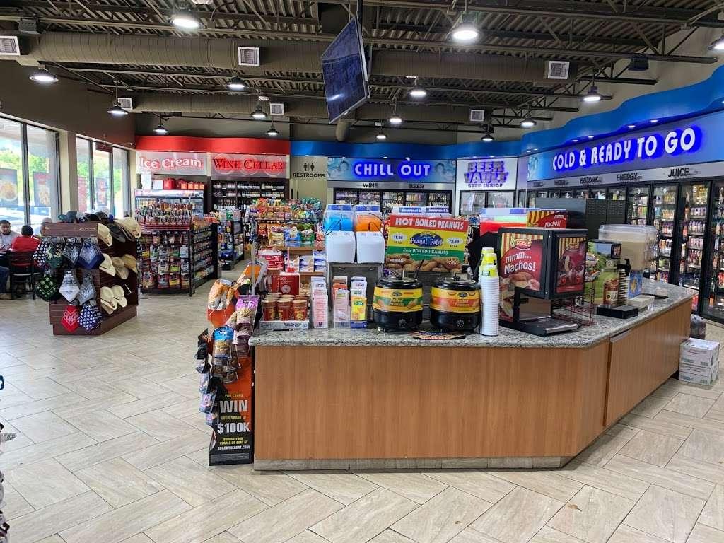 FUEL MAXX #60 - gas station  | Photo 7 of 10 | Address: 45620 US-290 BUS, Prairie View, TX 77446, USA | Phone: (936) 261-7070