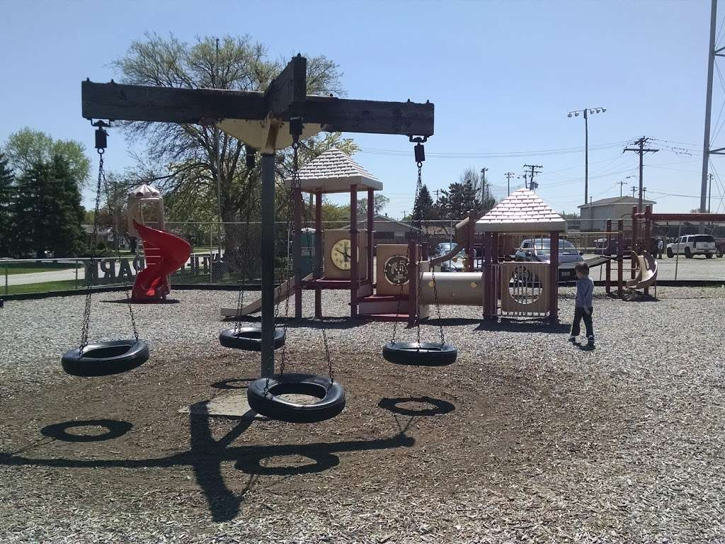 Playfield Park - park  | Photo 3 of 10 | Address: 12804 W Playfield Dr, Midlothian, IL 60445, USA