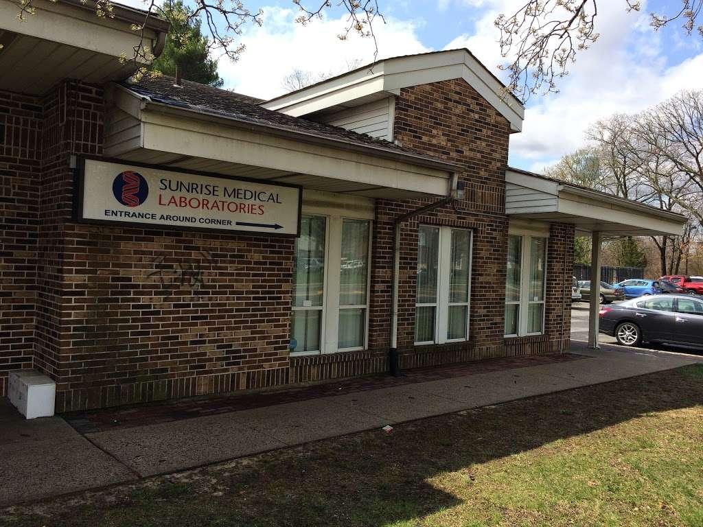 Sunrise Medical Laboratories - health  | Photo 4 of 6 | Address: 600 Suffolk Ave, Brentwood, NY 11717, USA | Phone: (631) 231-3094