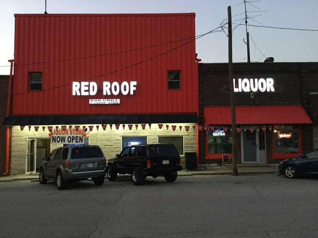 Red Roof Liquor - store  | Photo 4 of 10 | Address: 5 Market St, Cloverdale, IN 46120, USA | Phone: (765) 795-6700