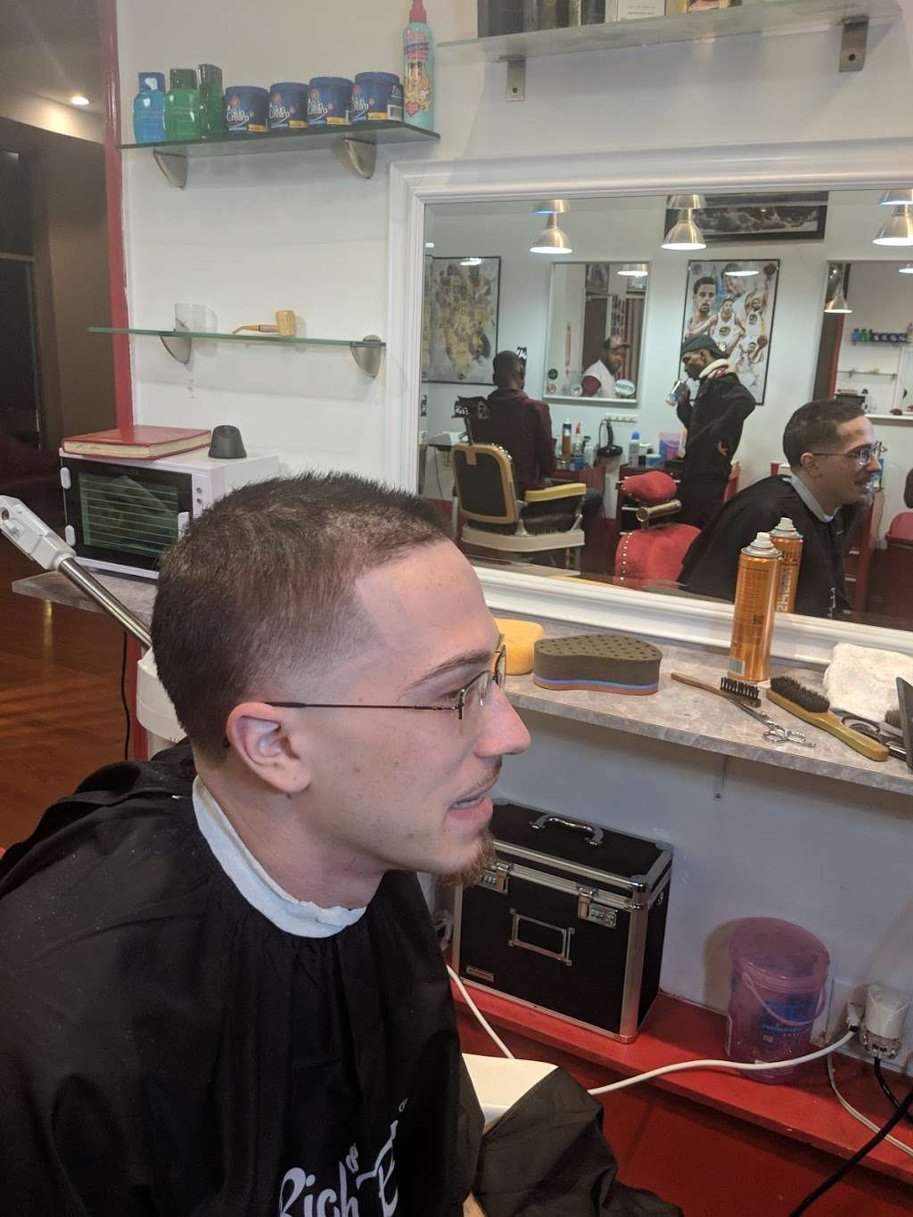 """Dominican Barbershop """"BROTHERHOOD"""" 1 - hair care    Photo 5 of 10   Address: 6416 Frederick Rd, Catonsville, MD 21228, United States   Phone: (443) 636-5063"""