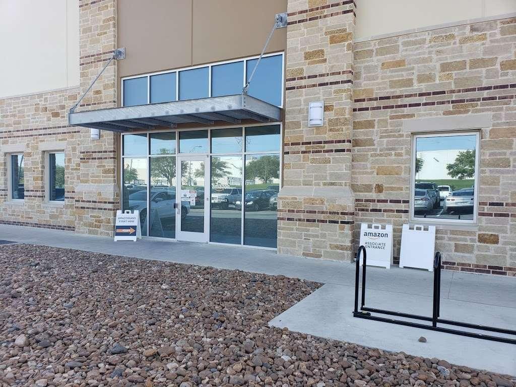 Amazon DSX1 - storage    Photo 5 of 9   Address: 6422 E Campus Dr Bldg 2, San Antonio, TX 78247, USA