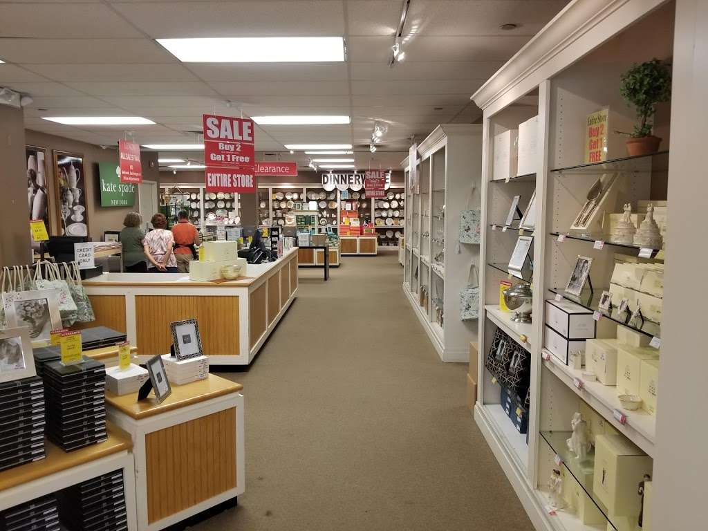 Lenox Outlet - store  | Photo 1 of 10 | Address: 51 Commerce Dr, Cranbury, NJ 08512, USA | Phone: (609) 395-8051