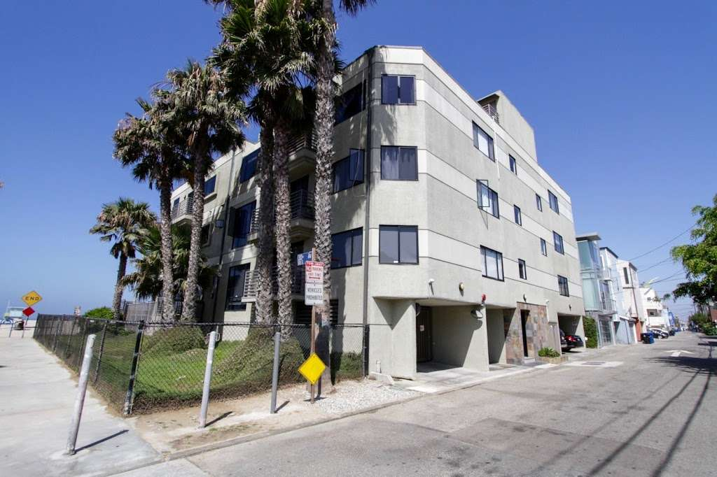 Venice Condos For Sale - real estate agency  | Photo 7 of 10 | Address: 1611 Electric Ave, Venice, CA 90291, USA | Phone: (310) 356-6068