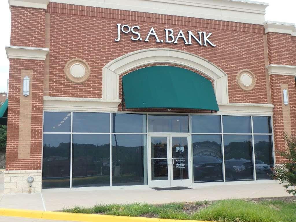 Jos. A. Bank - shoe store  | Photo 1 of 10 | Address: 476 Fletcher Dr, Warrenton, VA 20186, USA | Phone: (540) 428-8506