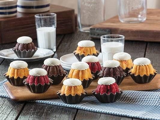 Nothing Bundt Cakes - bakery  | Photo 7 of 9 | Address: 2381, E University Dr Suite 90, Prosper, TX 75078, USA | Phone: (972) 598-9569