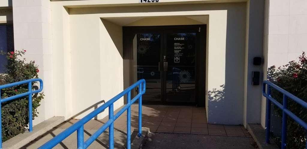 Chase Bank - bank  | Photo 6 of 10 | Address: 14250 Marsh Ln, Addison, TX 75001, USA | Phone: (972) 488-0066