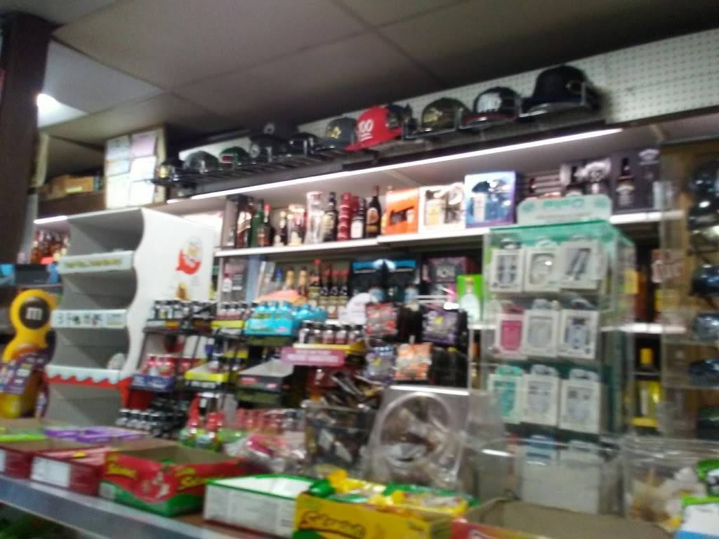 Bills Market & Liquor - convenience store  | Photo 8 of 10 | Address: 1234 Main St, Barstow, CA 92311, USA | Phone: (760) 256-8224