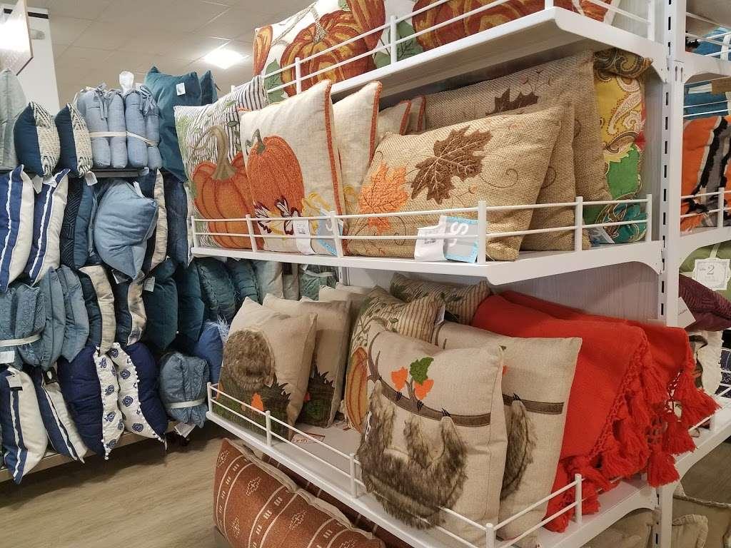 HomeGoods - department store  | Photo 2 of 10 | Address: 110 Lefante Way, Bayonne, NJ 07002, USA | Phone: (201) 339-2301