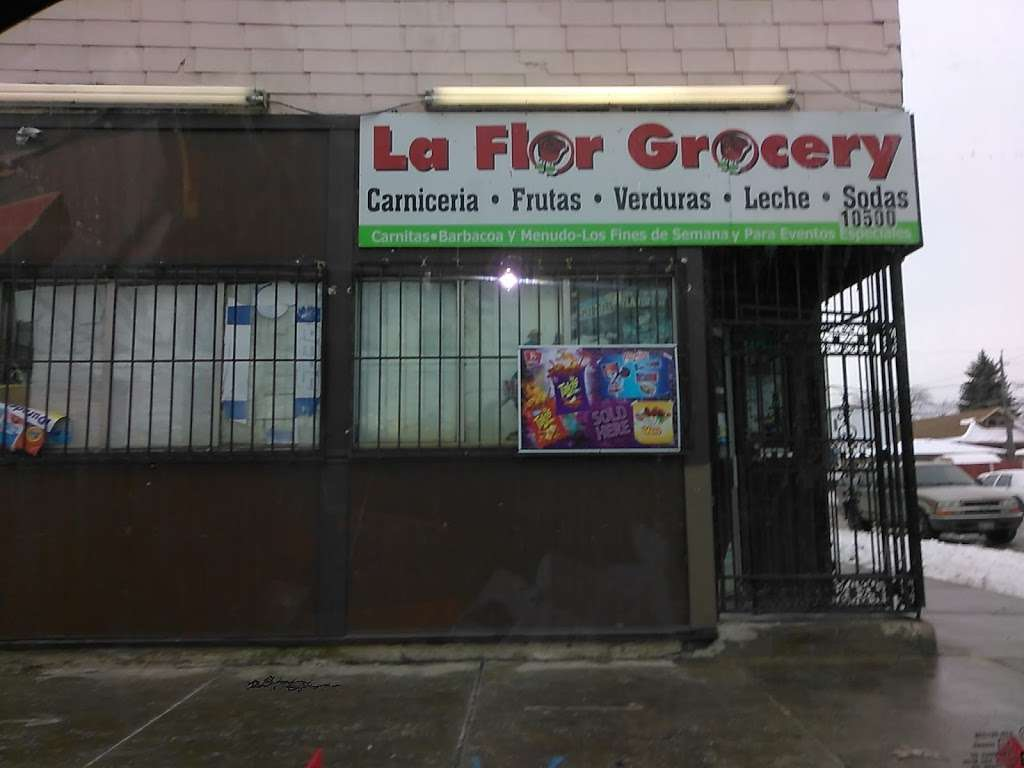La Flor Grocery Store - store  | Photo 8 of 9 | Address: 10500 S Ave M, Chicago, IL 60617, USA | Phone: (773) 731-9390