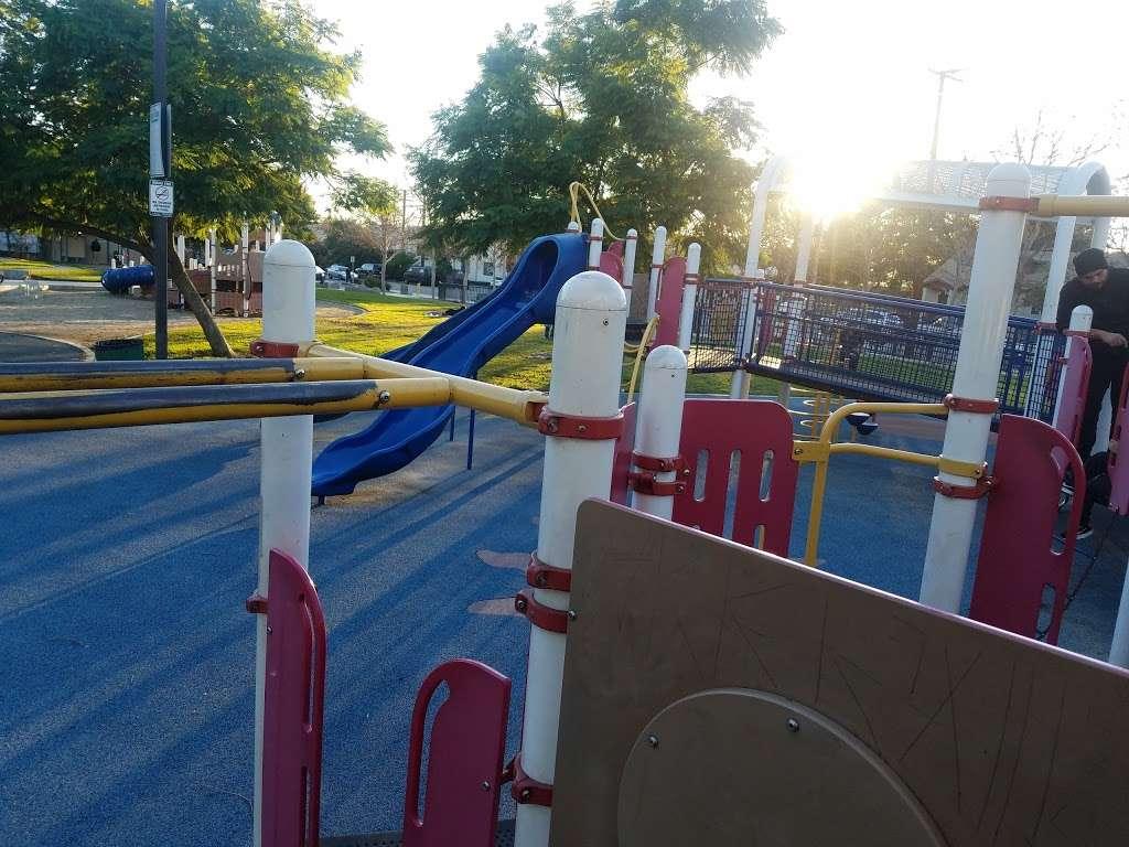 Parque De Los Sueños - park    Photo 3 of 10   Address: 1333 S Bonnie Beach Pl, Los Angeles, CA 90032, USA   Phone: (323) 260-2330