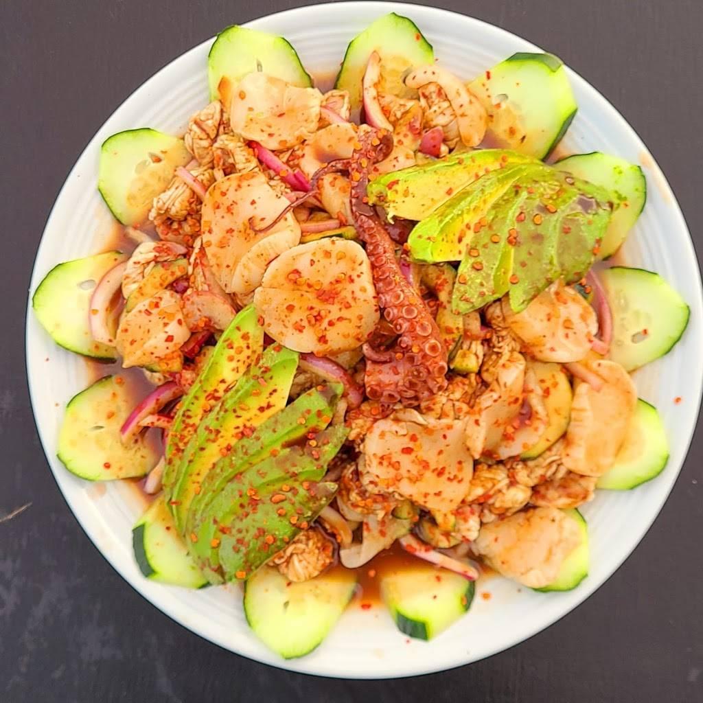 Hijoz de su Madre Mariscos - restaurant  | Photo 2 of 9 | Address: 2497 Riverside Ave, Rialto, CA 92377, USA | Phone: (909) 565-3829