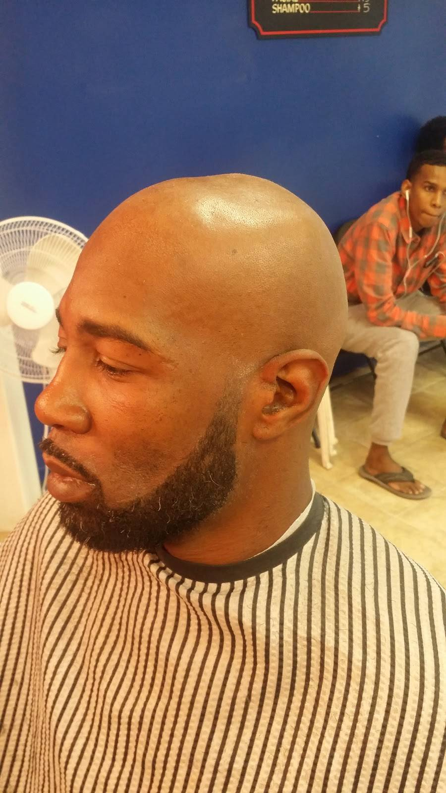 Blendz Barbershop MN - hair care  | Photo 1 of 3 | Address: 741 University Ave W #2, St Paul, MN 55104, USA | Phone: (651) 330-2469